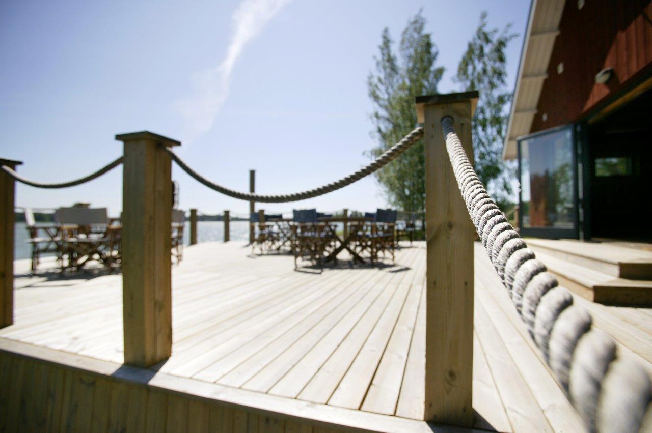 Venevajan terassi kesällä